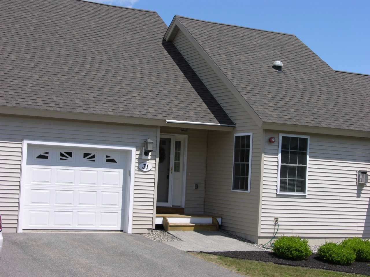 Fremont NH Condo for sale $List Price is $234,900