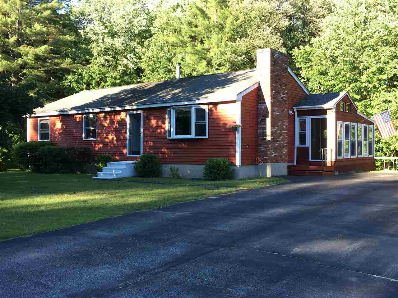 Allenstown NH Home for sale $List Price is $220,000