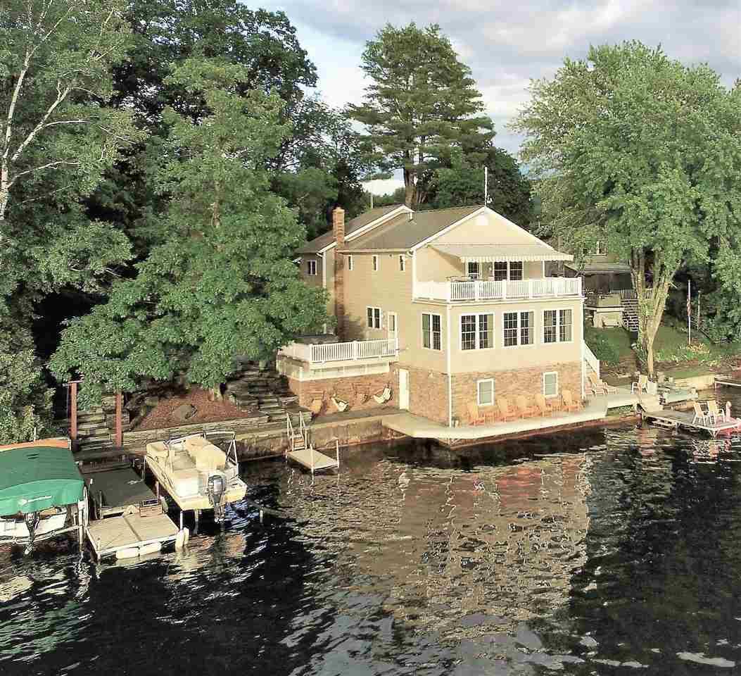 CASTLETON VTLake House for sale $$1,390,000 | $402 per sq.ft.