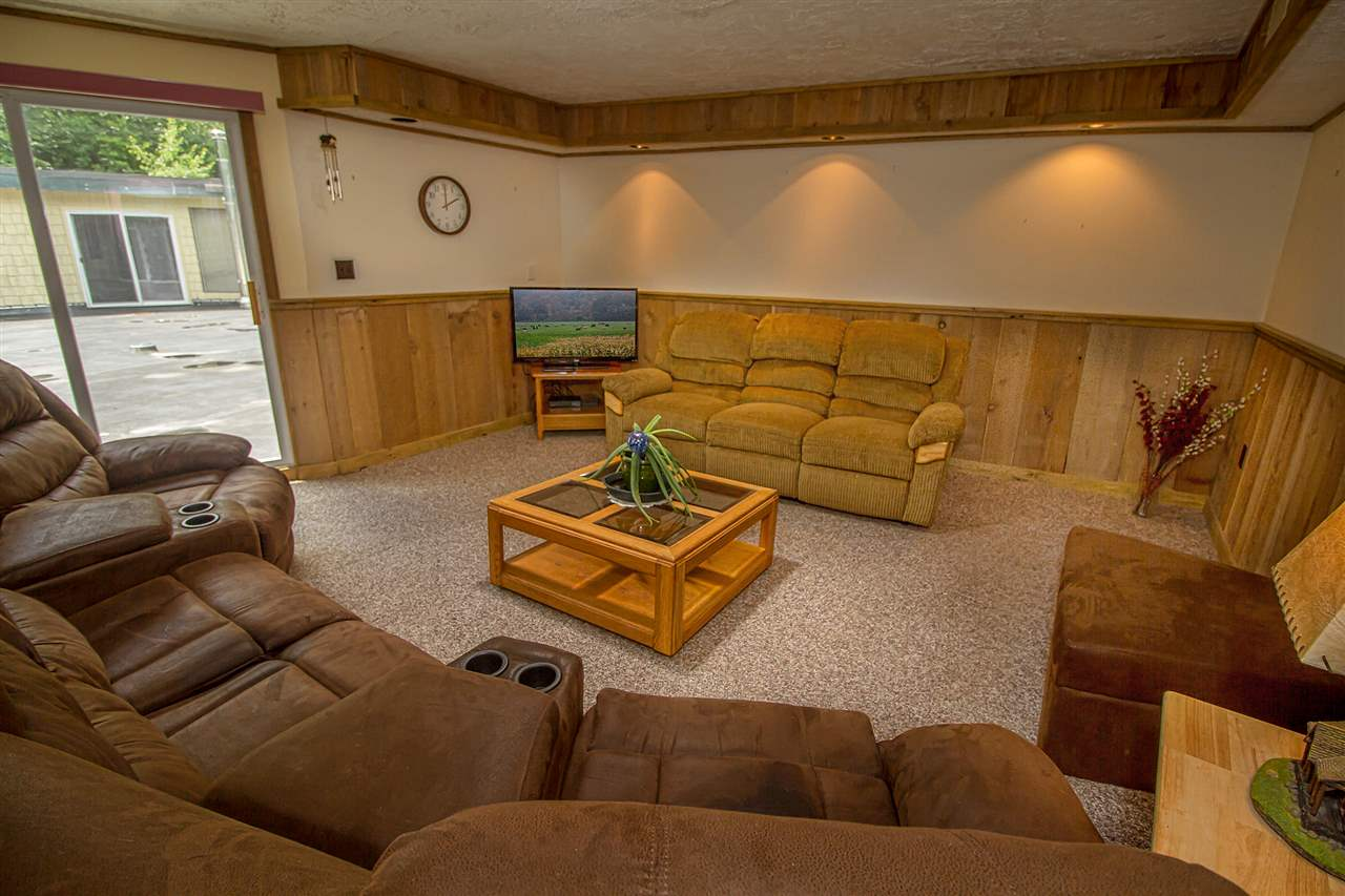 Great location near skiing at Mount Snow and The...