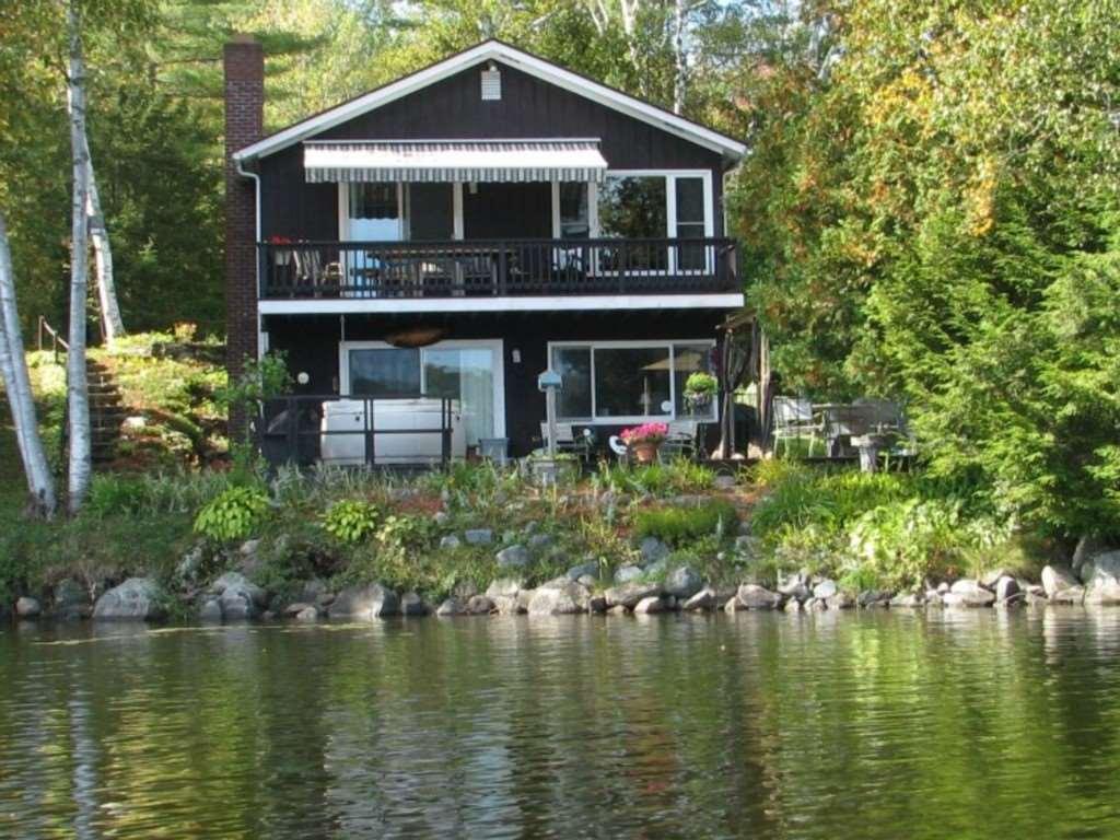 BARNET VTLake House for sale $$485,000 | $685 per sq.ft.