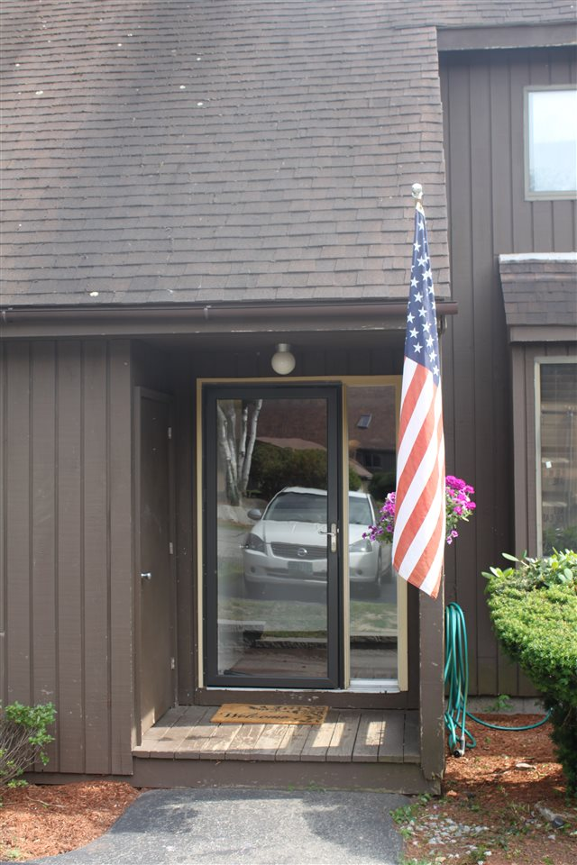 Nashua NH Condo for sale $List Price is $189,000