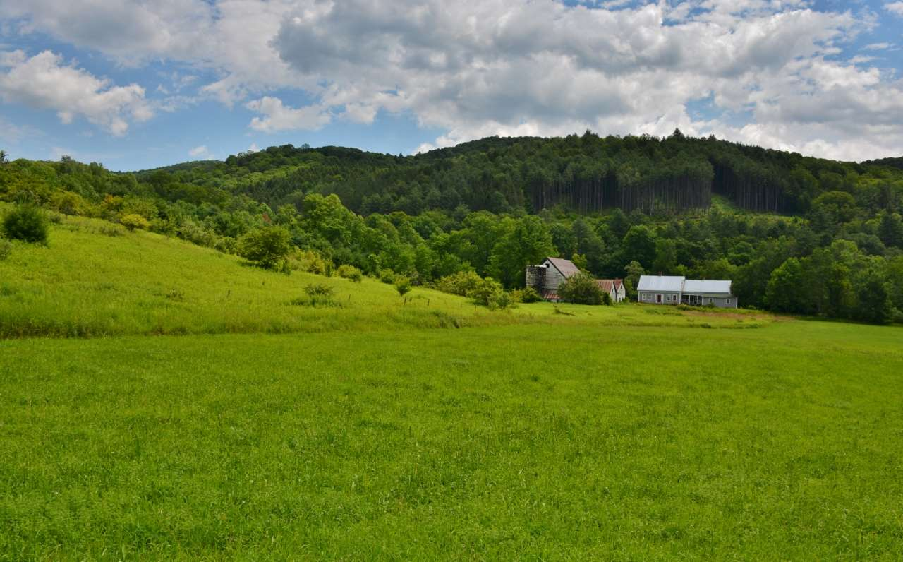 POMFRET VT Home for sale $$295,000 | $125 per sq.ft.
