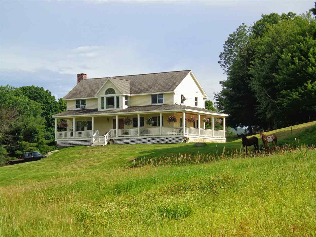 Pomfret VT Home for sale $325,000