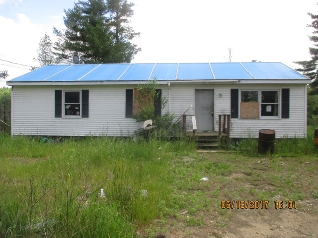 31 Courtland, Danbury, NH 03230