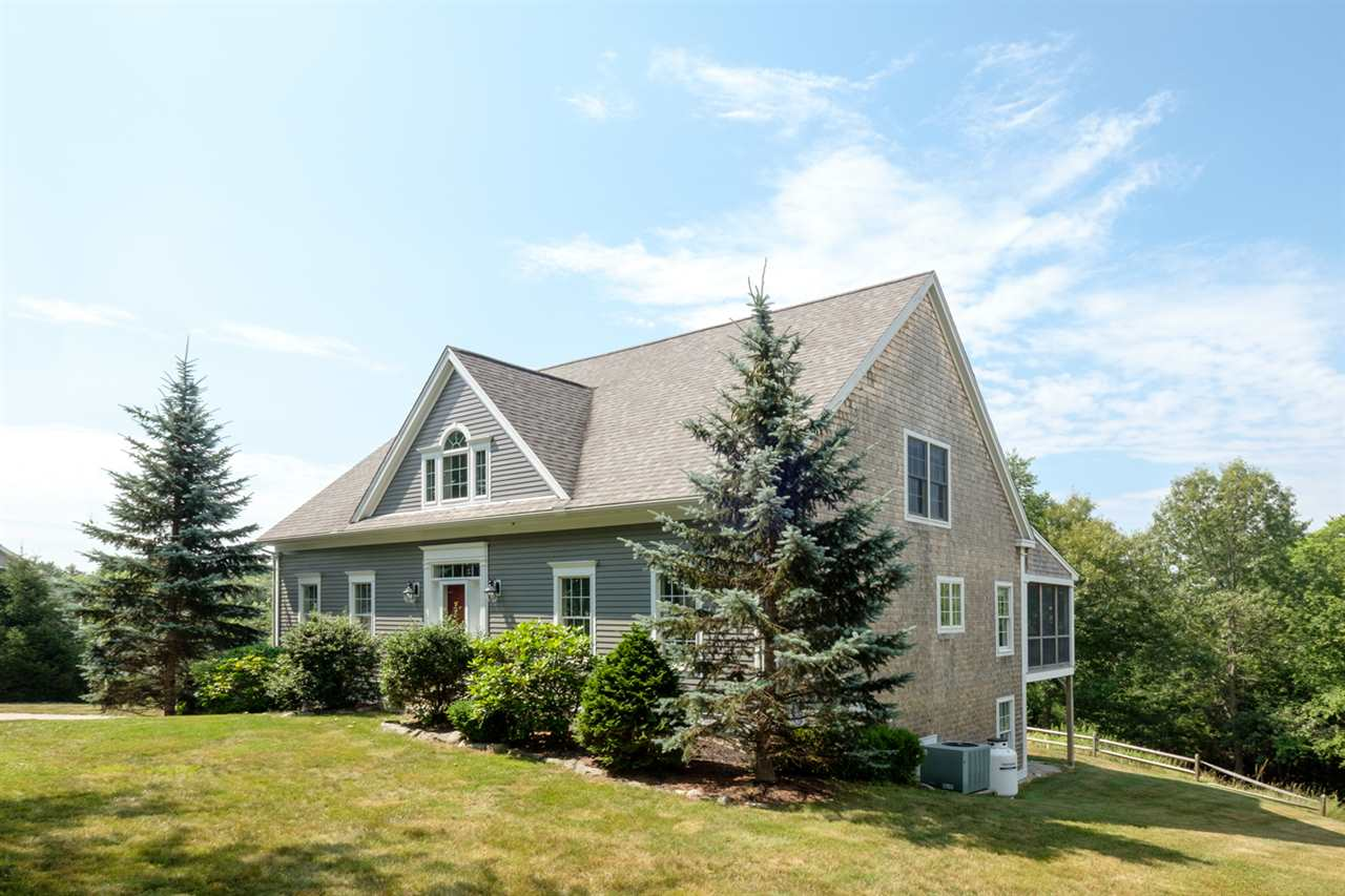88 Beech Hill Road, Exeter, NH 03833