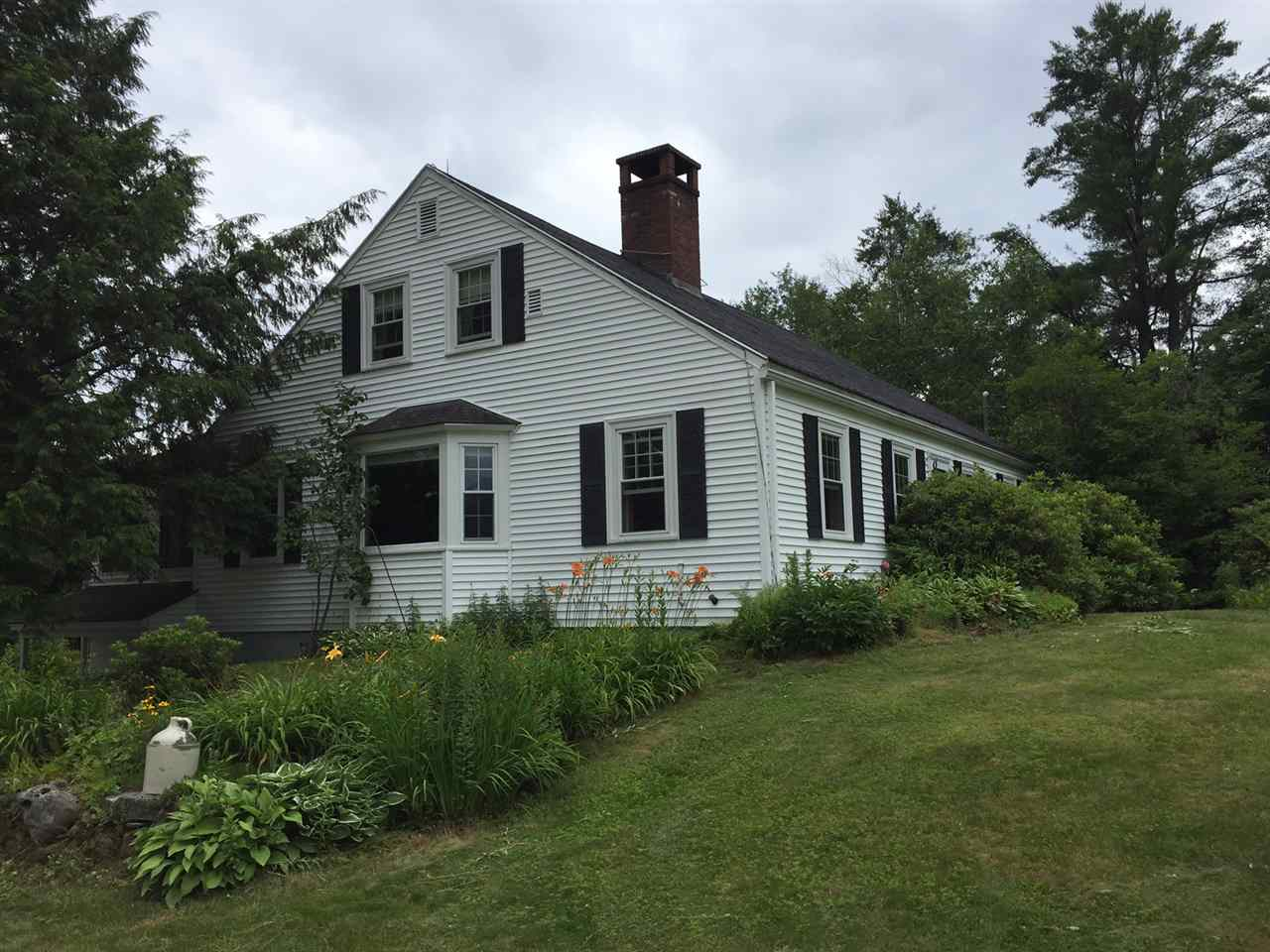 SANDWICH NH Home for sale $435,000