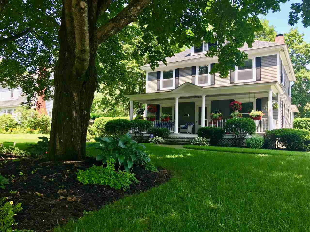 8 Wentworth Street, Plymouth, NH 03264