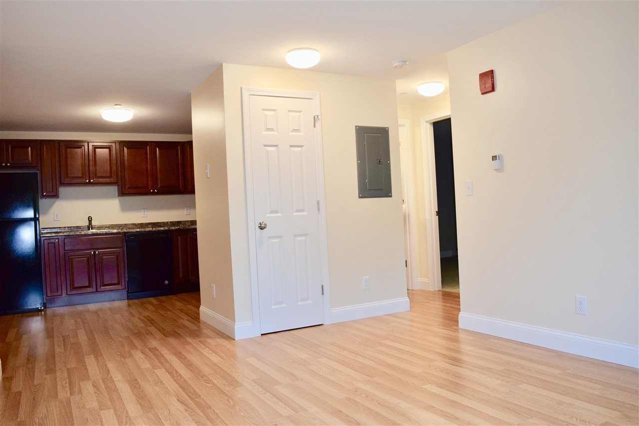 Manchester NH Condo for sale $List Price is $97,500