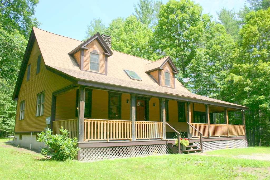 MASON NHLake House for sale $$325,000 | $166 per sq.ft.