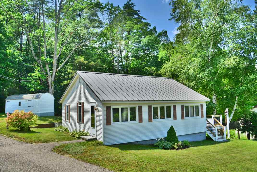 Meredith NH Home for sale $$177,500 $179 per sq.ft.