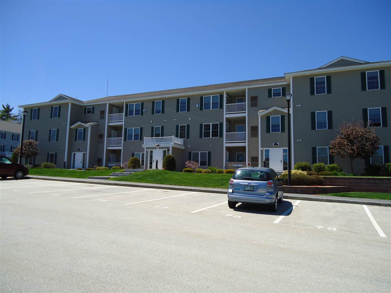 LONDONDERRY NHCondo for rent $Condo For Lease: $1,400 with Lease Term