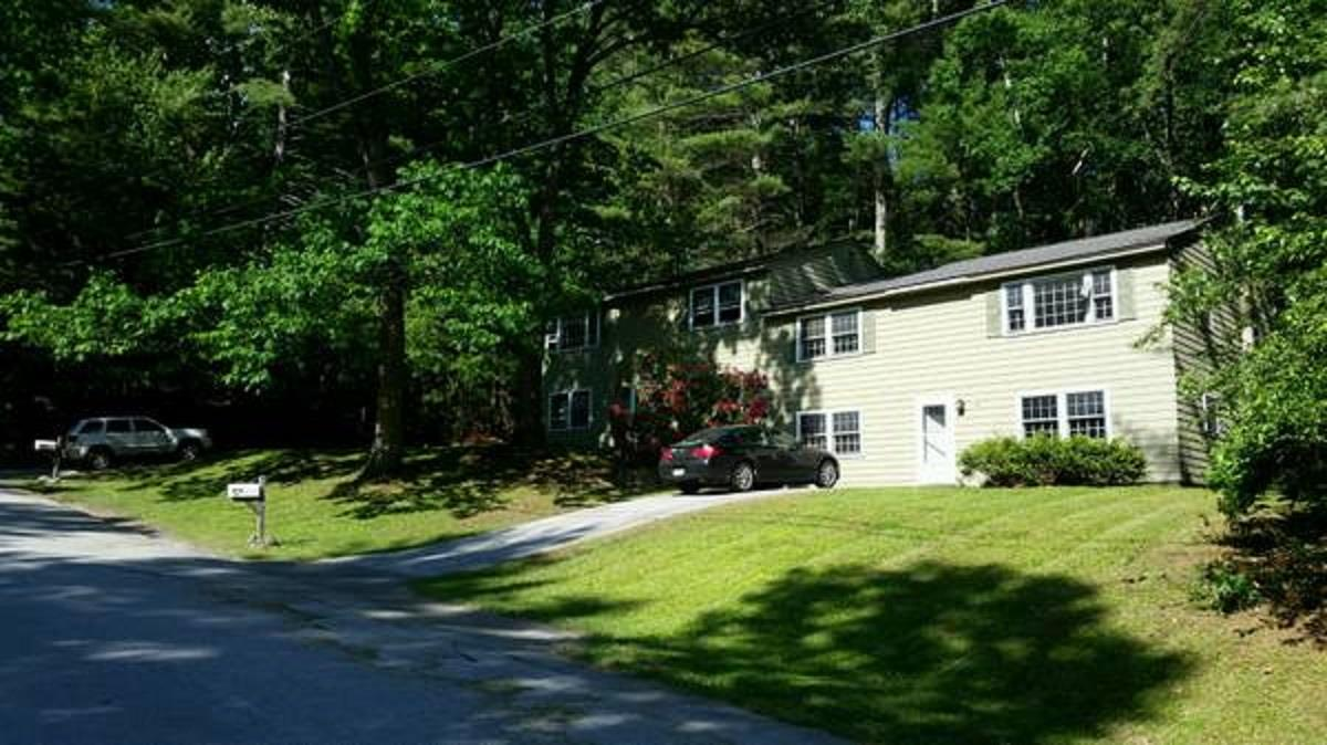MERRIMACK NH Duplex for rent $Duplex For Lease: $1,800 with Lease Term