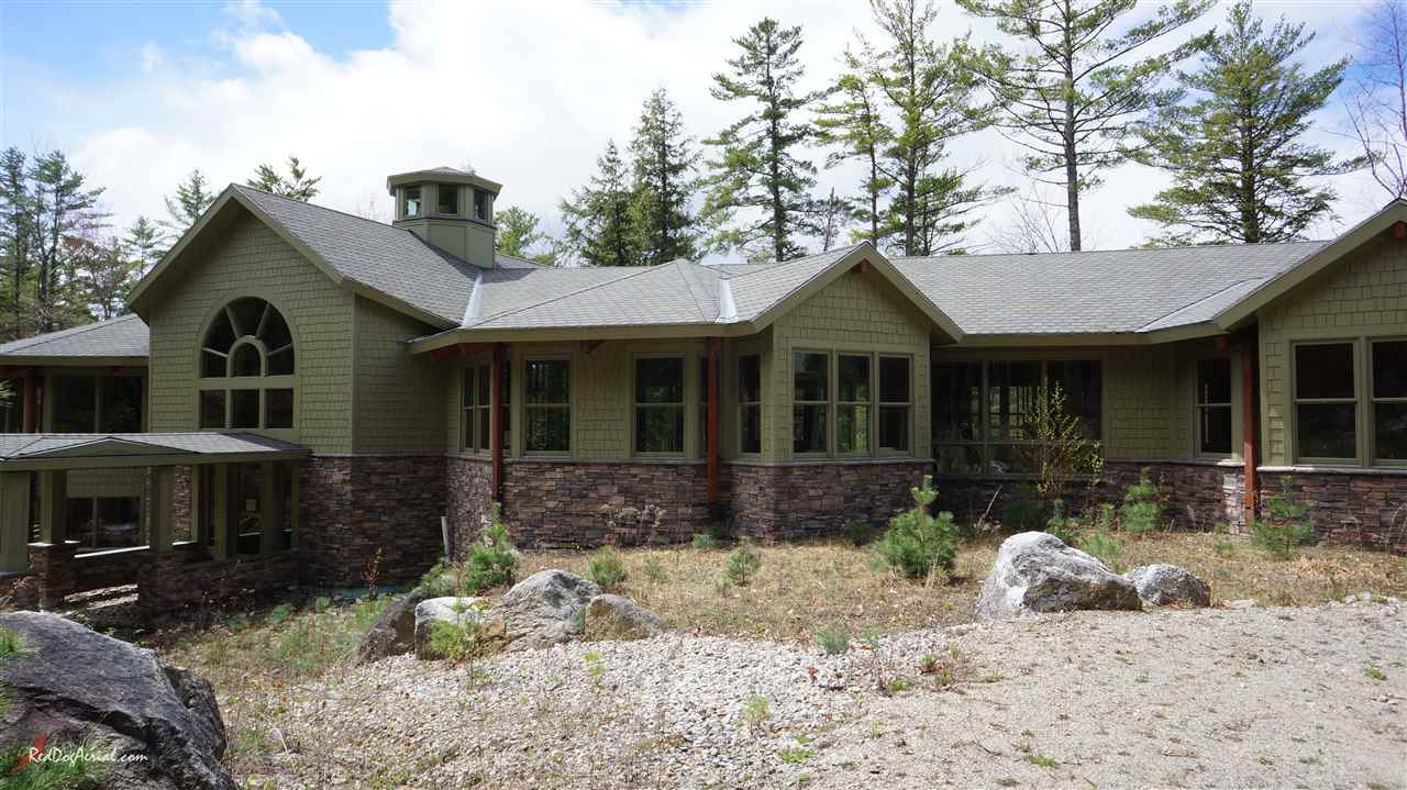SUNAPEE NH Lake House for sale $$925,000 | $64 per sq.ft.