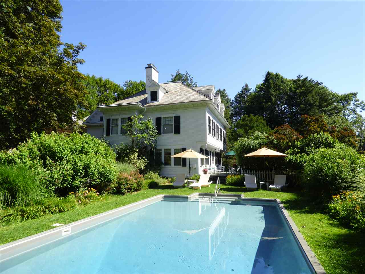 VILLAGE OF OLD BENNINGTON IN TOWN OF BENNINGTON VT Home for sale $$595,000 | $125 per sq.ft.