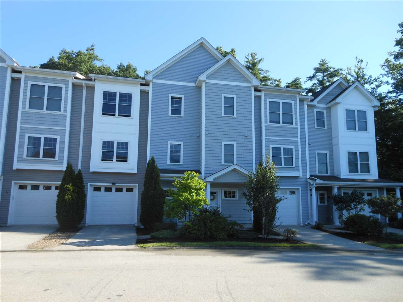 Manchester NH Condo for sale $List Price is $269,900