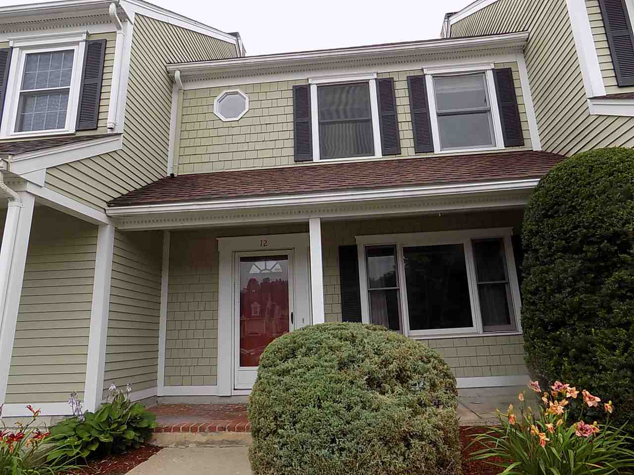 Nashua NH Condo for sale $List Price is $177,900