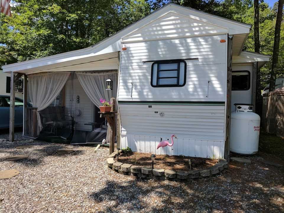 Belmont NH Lake Winnisquam waterfront home for sale