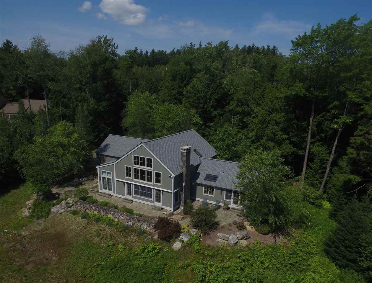 NEW LONDON NH Home for sale $$825,000 | $245 per sq.ft.