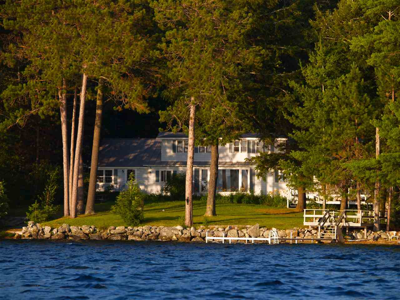 NEW LONDON NH Lake House for sale $$1,995,000 | $739 per sq.ft.