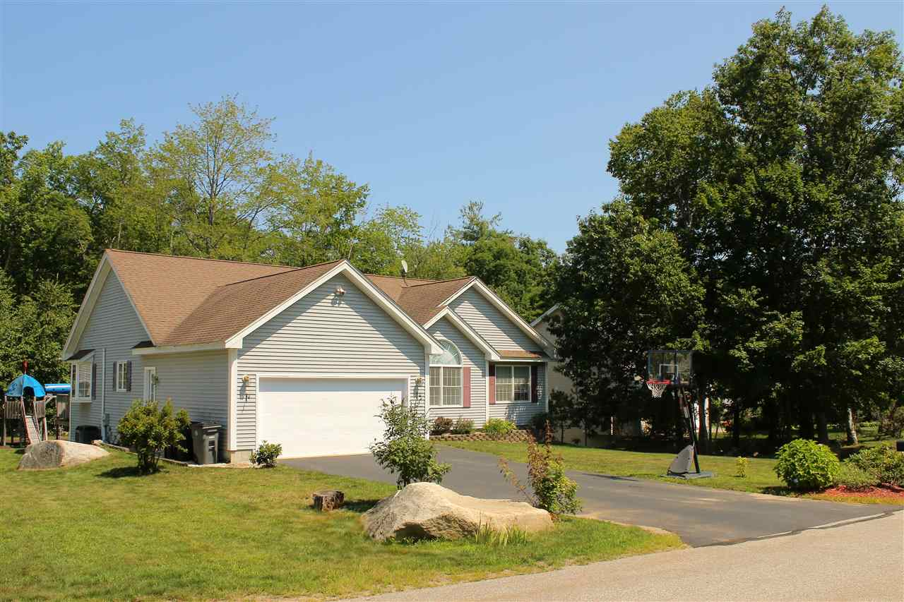 Hooksett NH Home for sale $List Price is $325,000