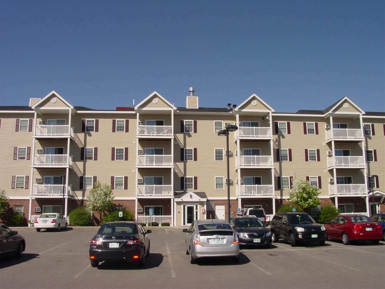 Nashua NH Condo for sale $List Price is $124,900