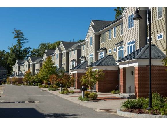 Manchester NHCondo for sale $List Price is $329,900