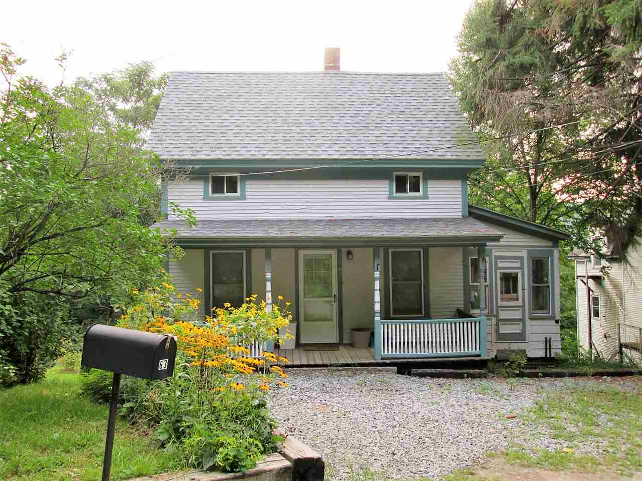 This adorable 2 bedroom house on a dead end road...