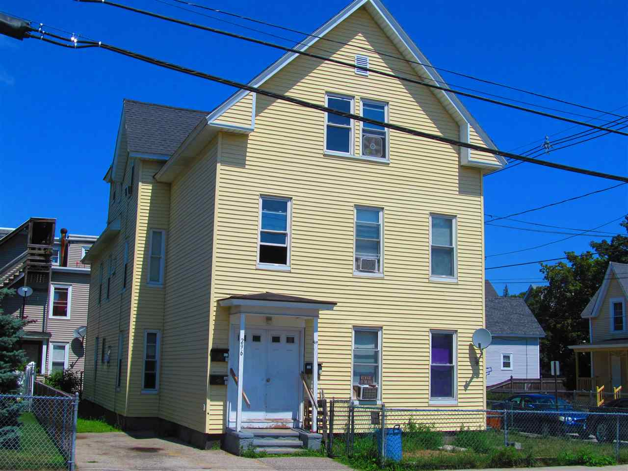 image of Manchester NH  3 Unit Multi Family | sq.ft. 3642