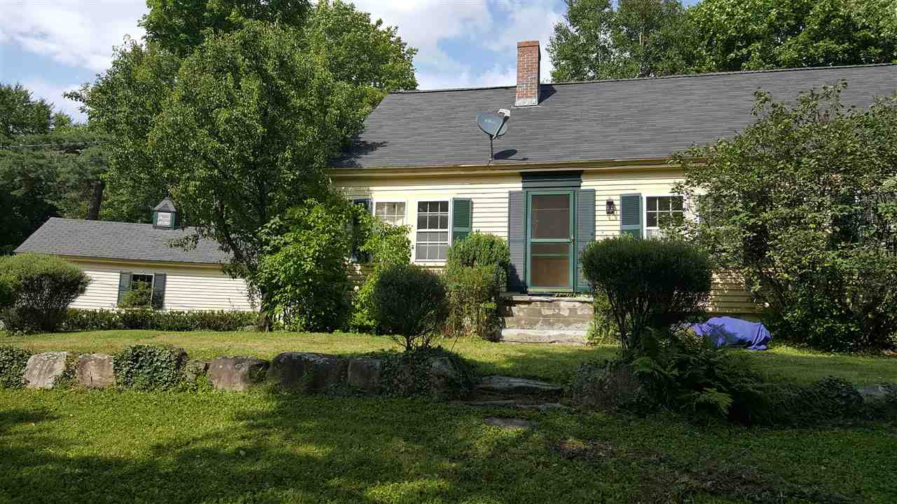 NEW LONDON NH Home for sale $$290,000 | $110 per sq.ft.