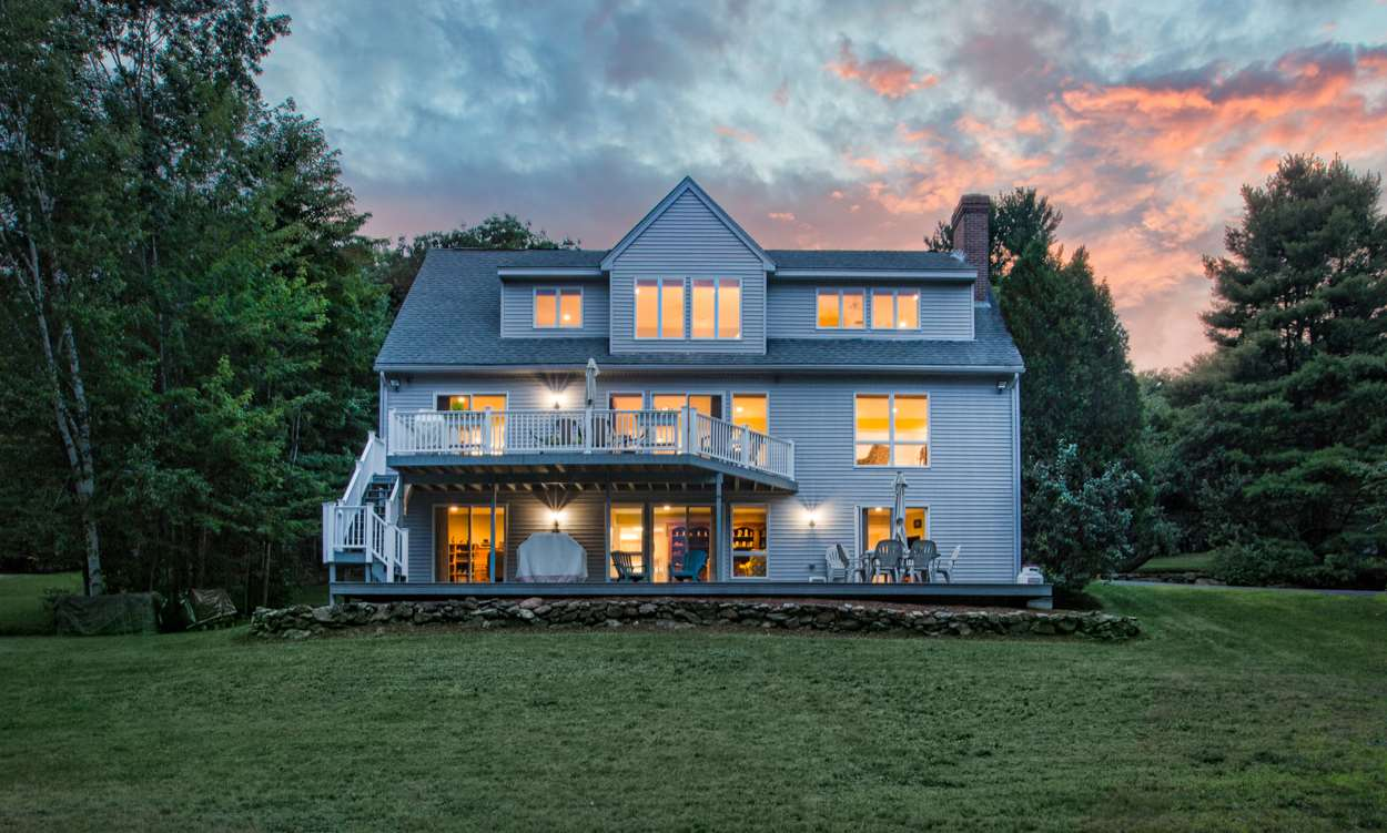 DEERFIELD NH Lake House for sale $$875,000 | $249 per sq.ft.