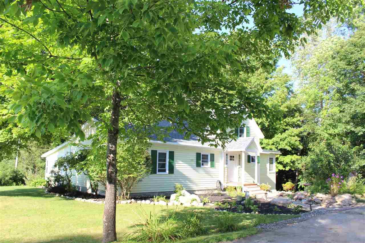SUNDERLAND VTLake House for sale $$289,000 | $149 per sq.ft.