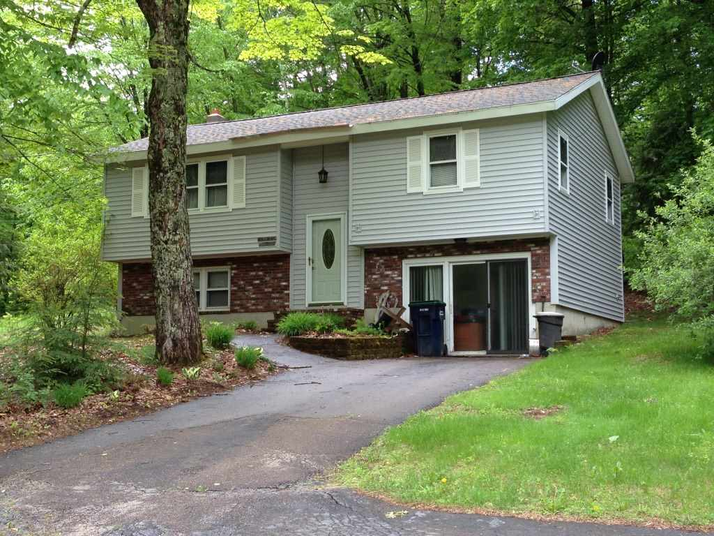 Tilton NH Home for sale $$172,000 $104 per sq.ft.