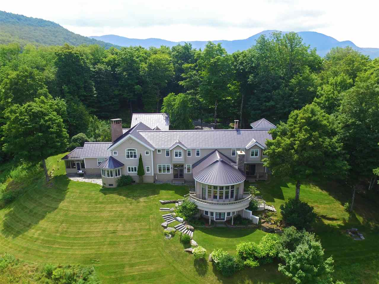 1097 Taber Ridge Road, Stowe, VT 05672