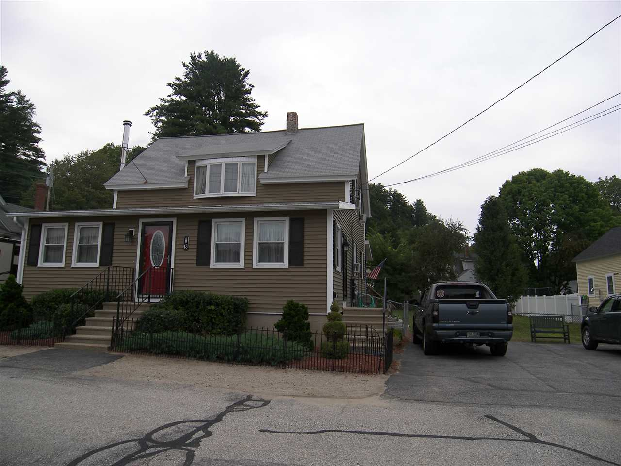 Hooksett NH Home for sale $List Price is $232,000