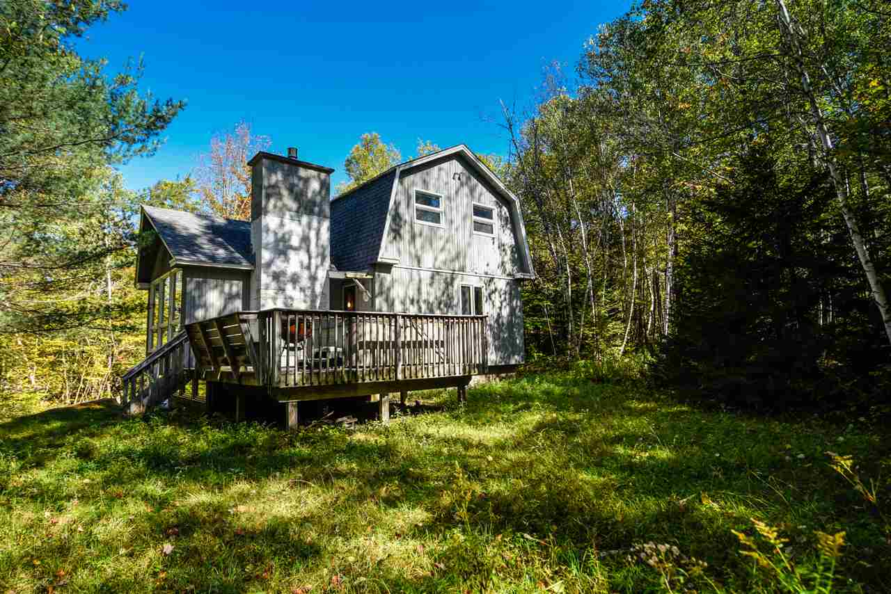 Charming chalet just down from the Mount Snow ski...