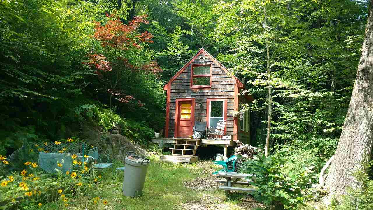 Tilton NH Home for sale $$59,900 $208 per sq.ft.