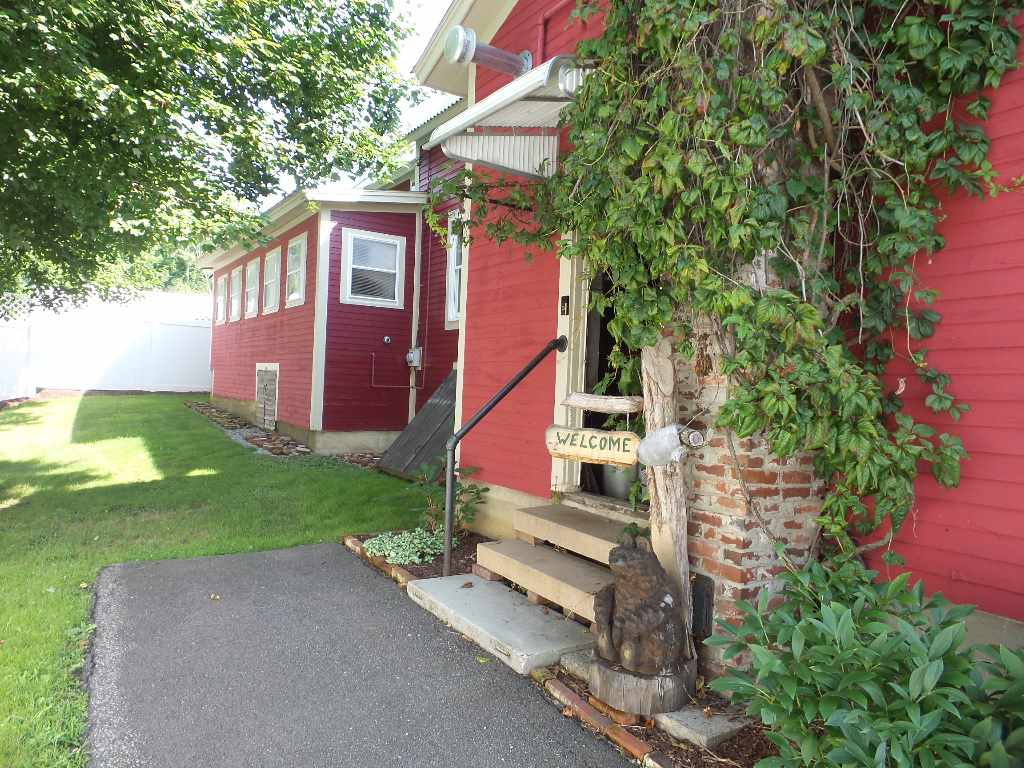 Tilton NH Home for sale $$194,900 $117 per sq.ft.