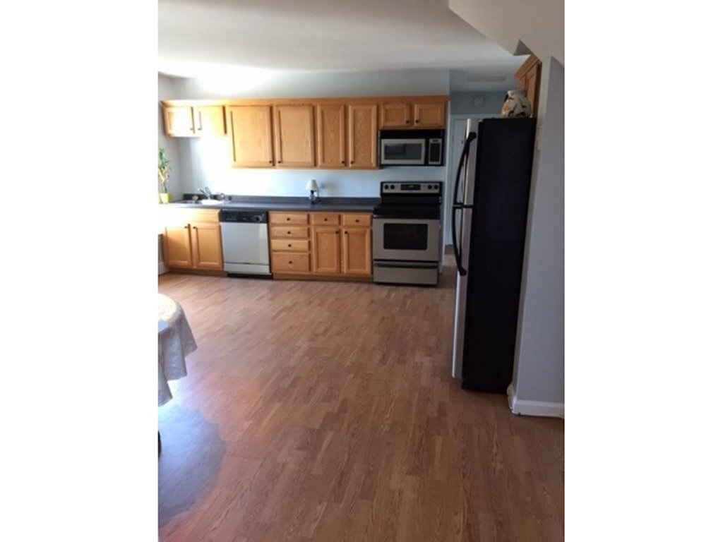 Manchester NH Condo for sale $List Price is $124,900