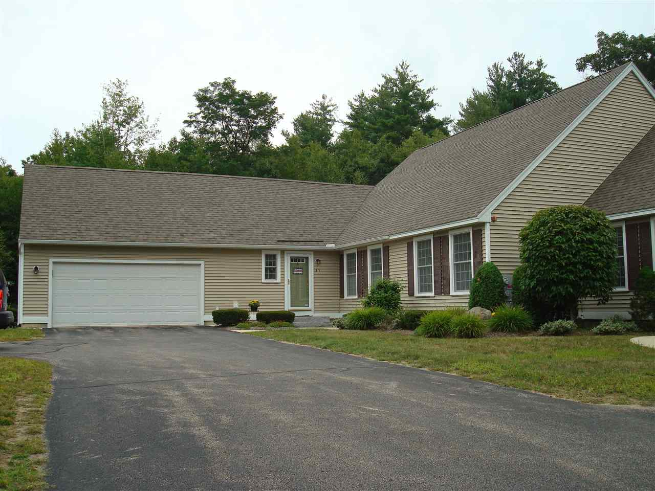 Fremont NH Condo for sale $List Price is $297,900