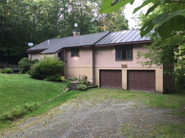 FAIRLEE VT Home for sale $$235,000 | $131 per sq.ft.