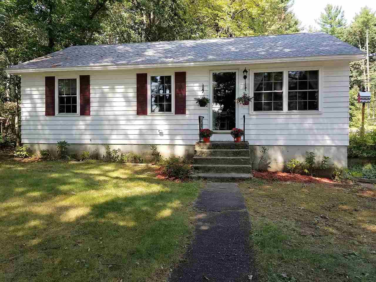 Litchfield NHHome for sale $List Price is $259,900