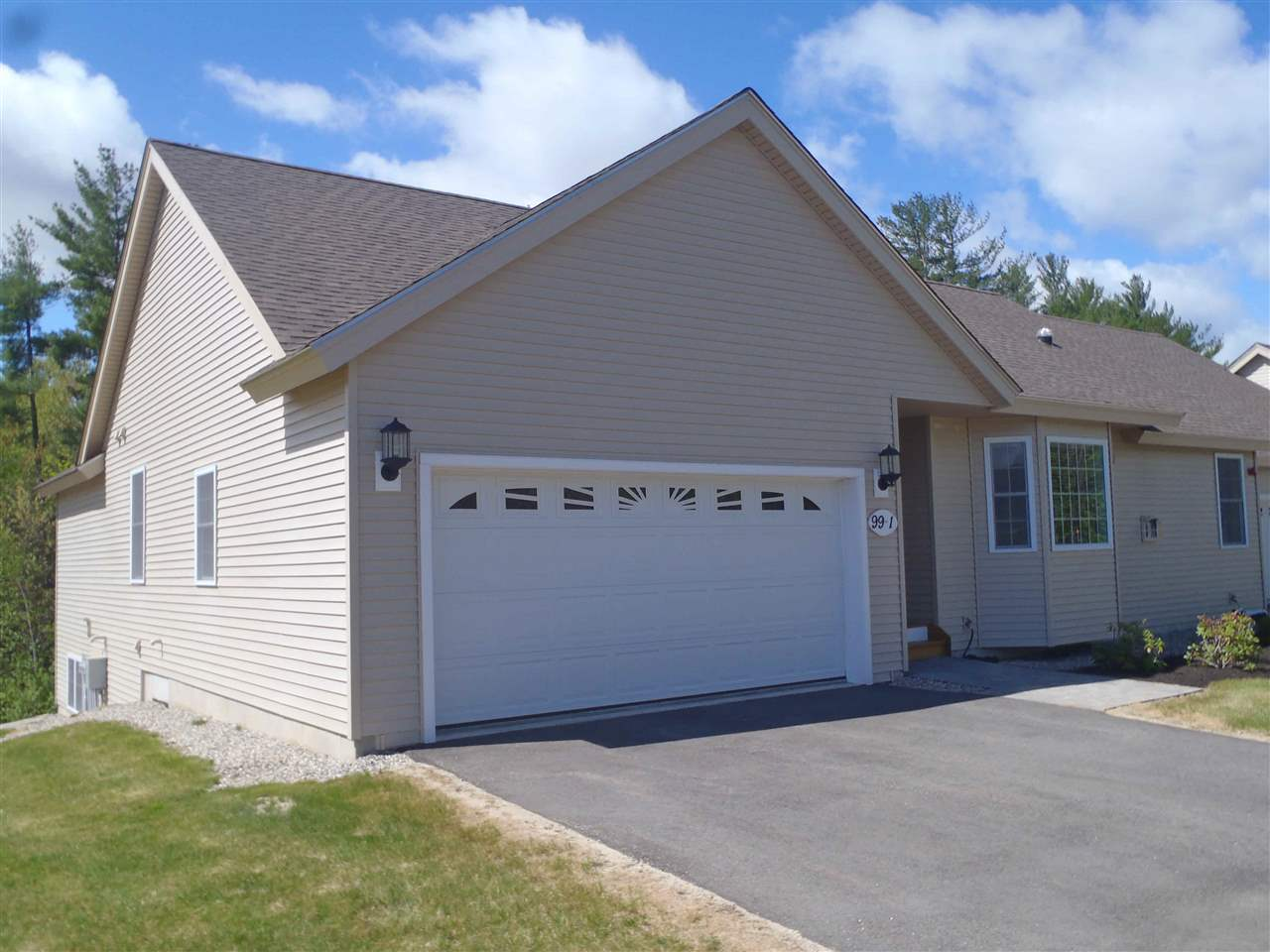 Fremont NH Condo for sale $List Price is $289,000