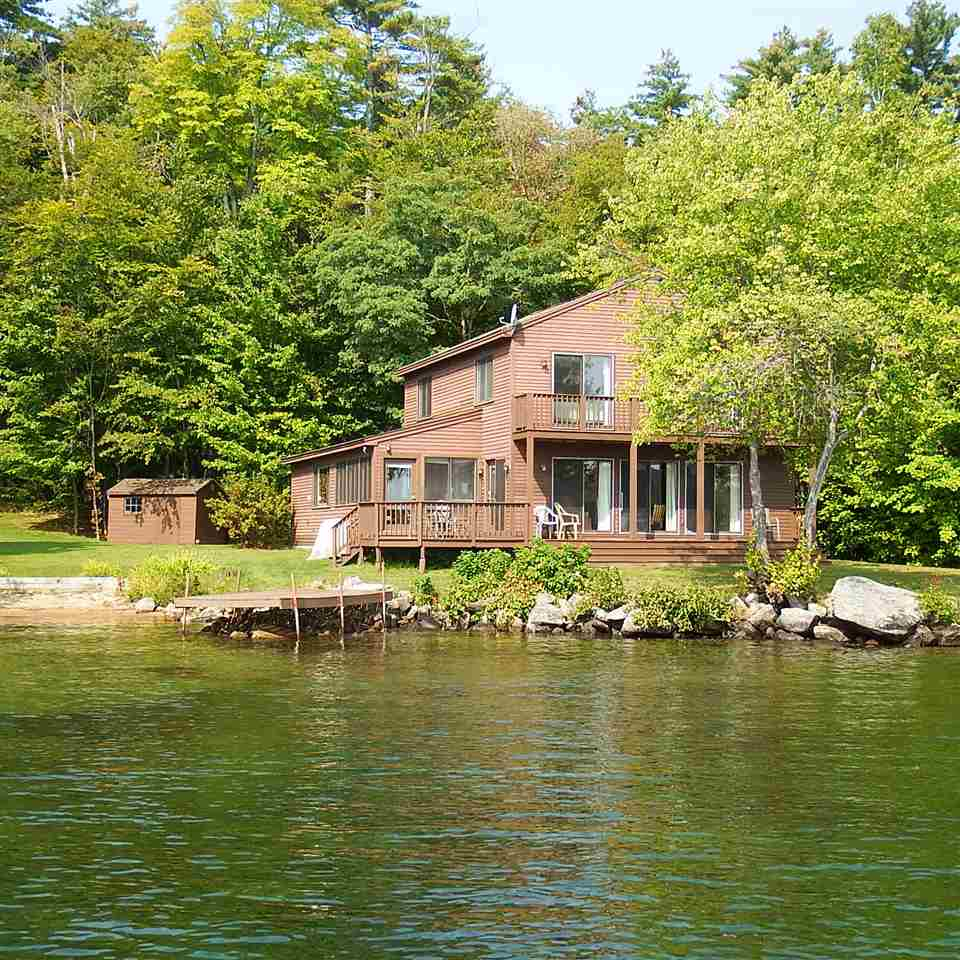 Moultonborough NH Home mls no. 4659780 with 170 ft. owned waterfront