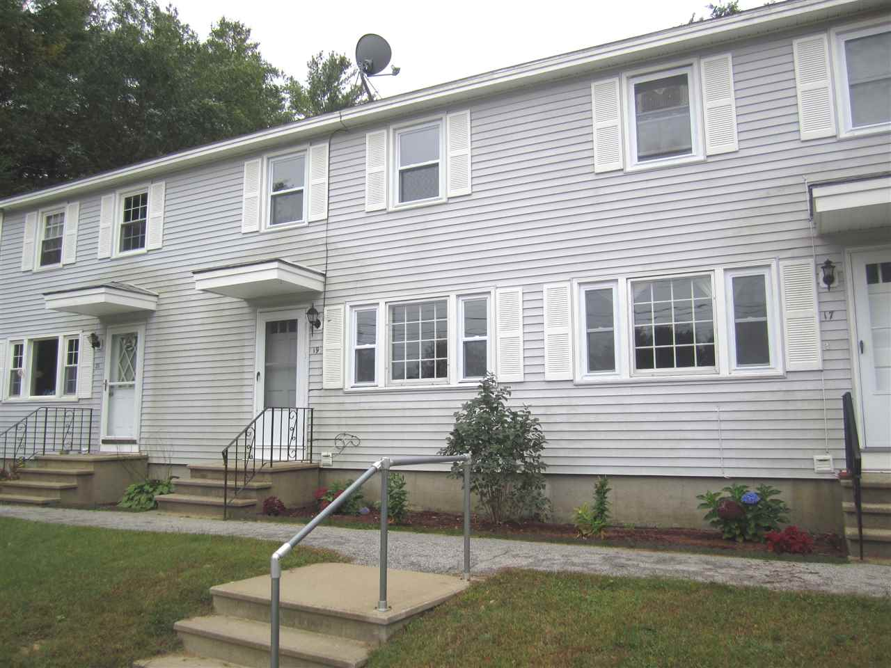 Allenstown NH Condo for sale $List Price is $124,900