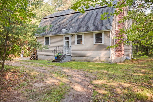 Amherst NH Home for sale $List Price is $269,900