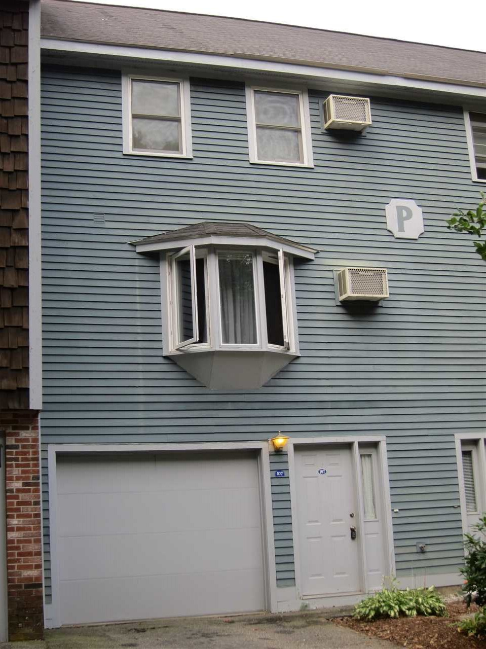 image of Manchester NH Condo | sq.ft. 1464