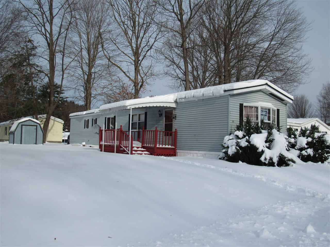 CLAREMONT NH Mobile-Manufacured Home for sale $$19,000 | $21 per sq.ft.
