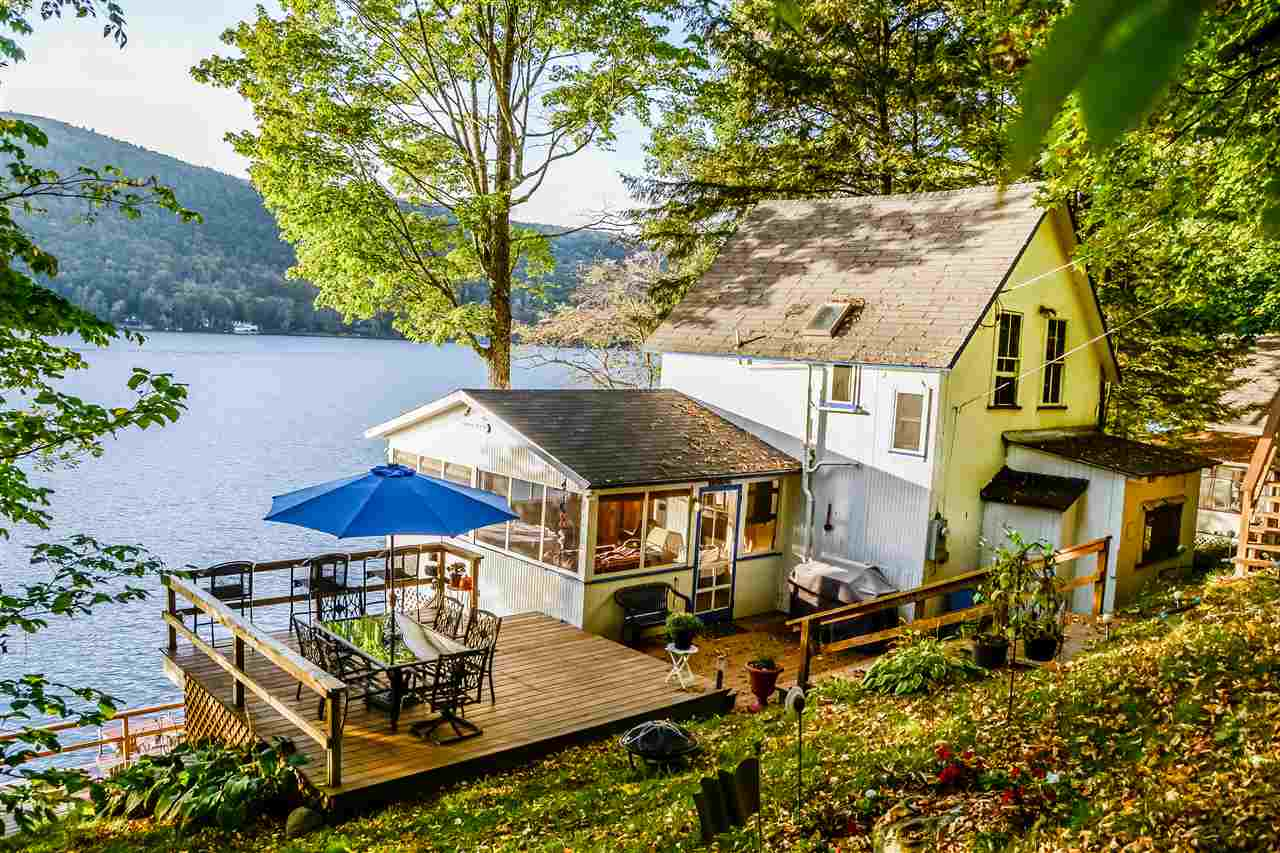 FAIRLEE VT Lake House for sale $$395,000 | $547 per sq.ft.