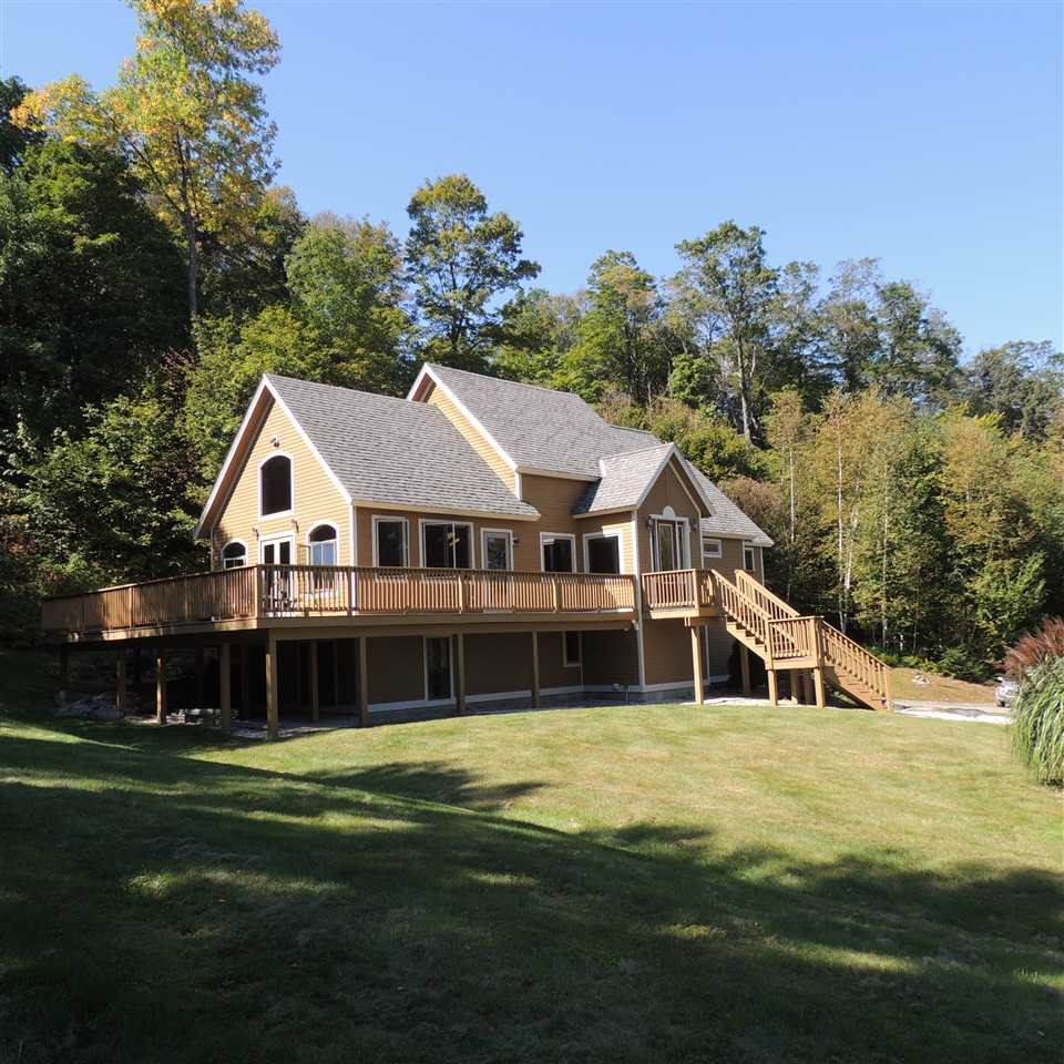 Impressive Post and Beam home in country setting...